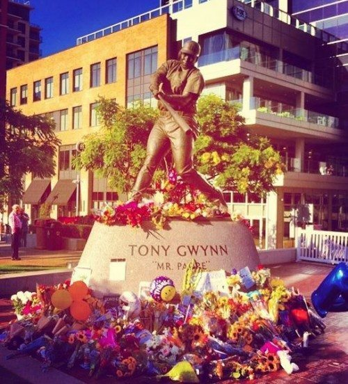 Tony Gwynn Statue RIP